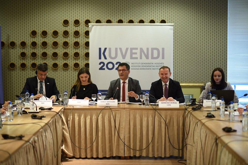 KDI organizoi diskutim me deputetët për nevojën e miratimit të Rregullores së re të punës