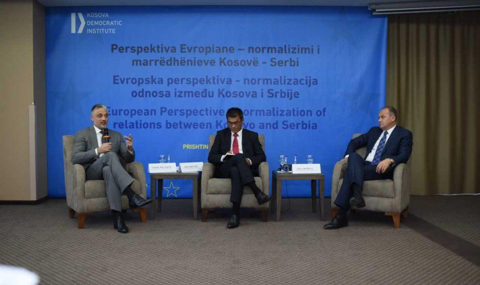 Diskutim mes përfaqësuesve të Kosovës dhe të Serbisë