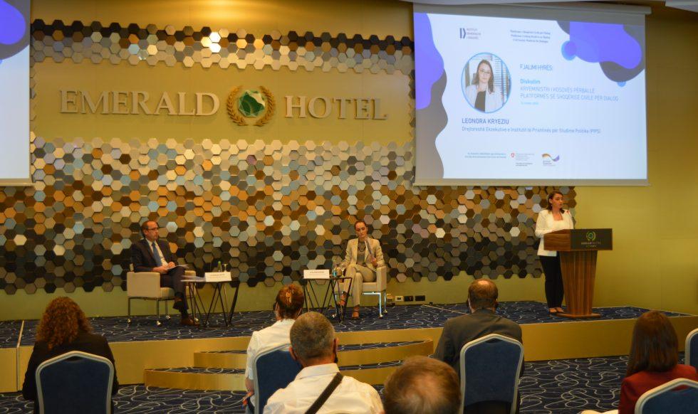Kryeministri Hoti përballë Platformës së shoqërisë civile për dialogun