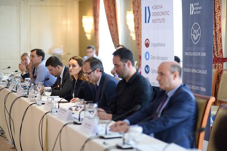 Partitë politike ende larg arritjes së konsensusit politik për dialogun